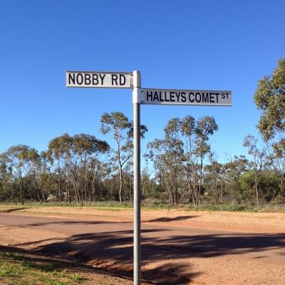 street_halleys_comet